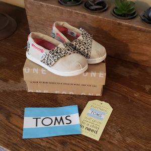 Kids Tom's Shoes